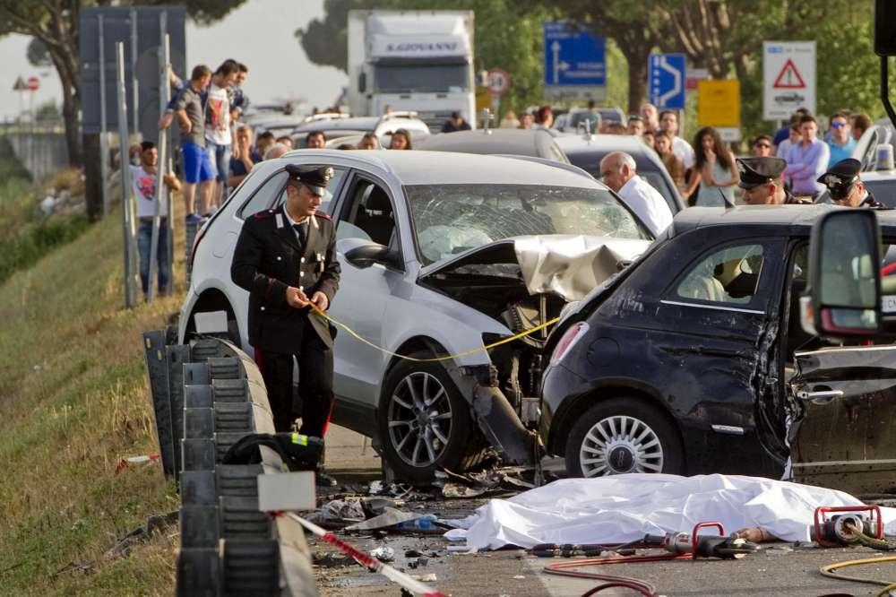 Napoli incidente mortale  Tgcom24  Foto 1