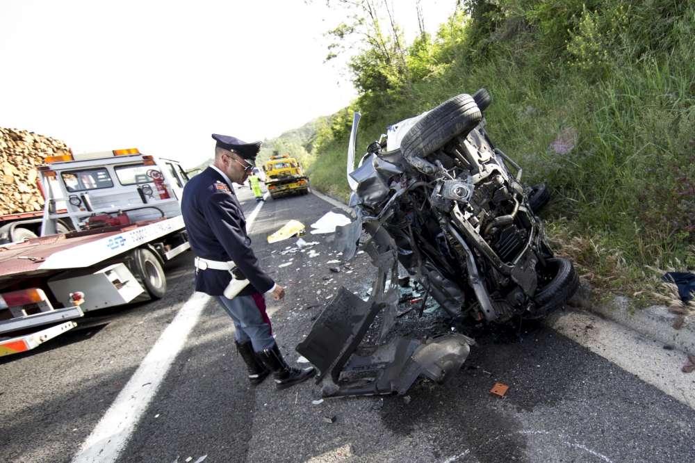 Incidente sullA1 muore una coppia  Tgcom24  Foto 1