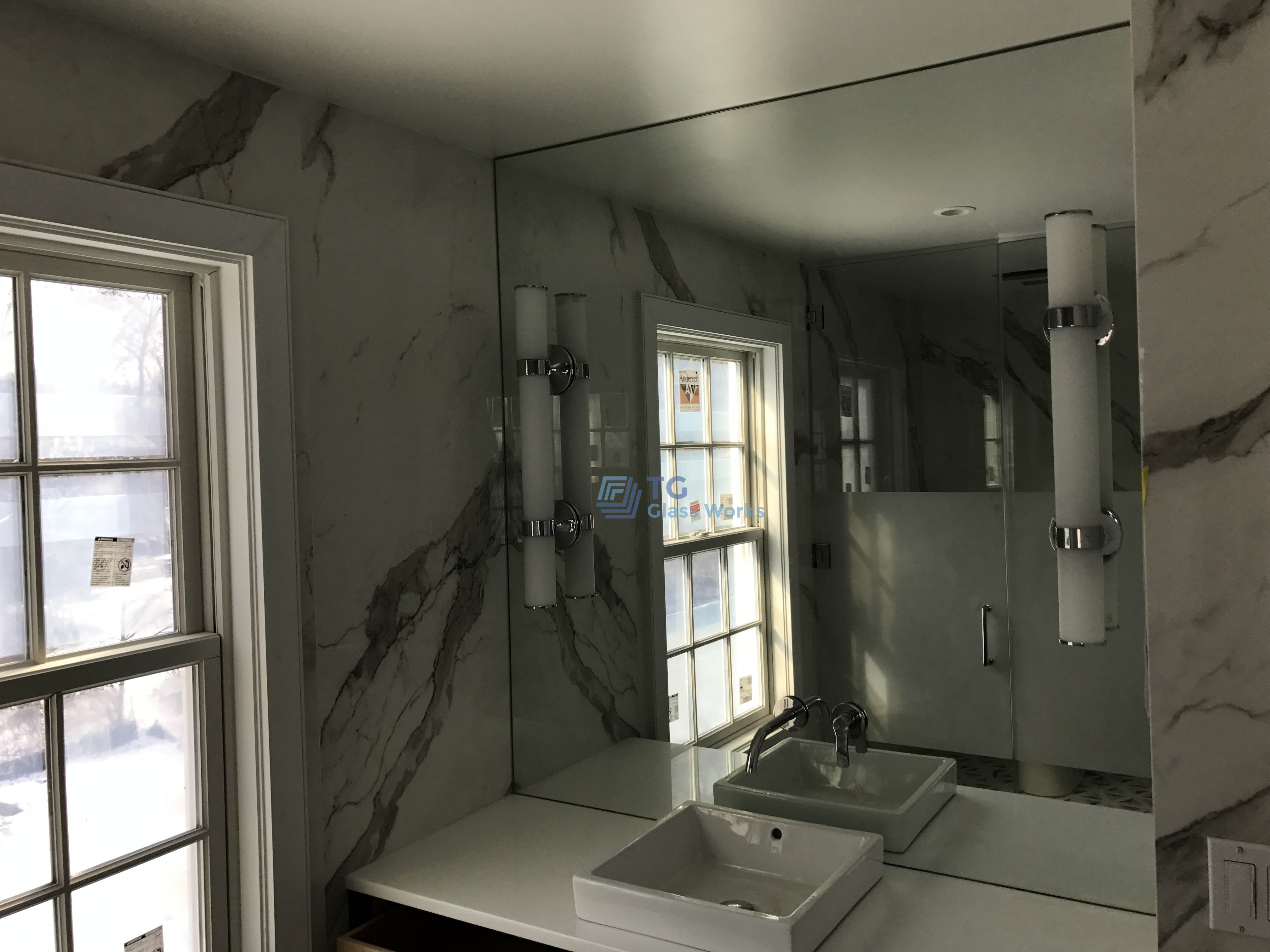 Half Frosted Shower Enclosure With Steam Ventilation Panel