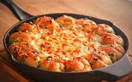 Cheesy Garlic Knot White Pizza Dip Recipe