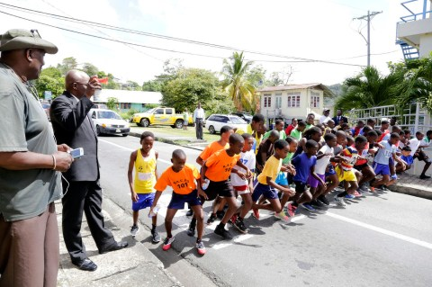 THA Chief Secretary Kelvin Charles starts the road race.