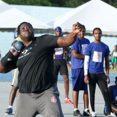 Akeem Stewart powers his way to another national record in the men's shot put, this time with his biggest throw of 20.12 metres.