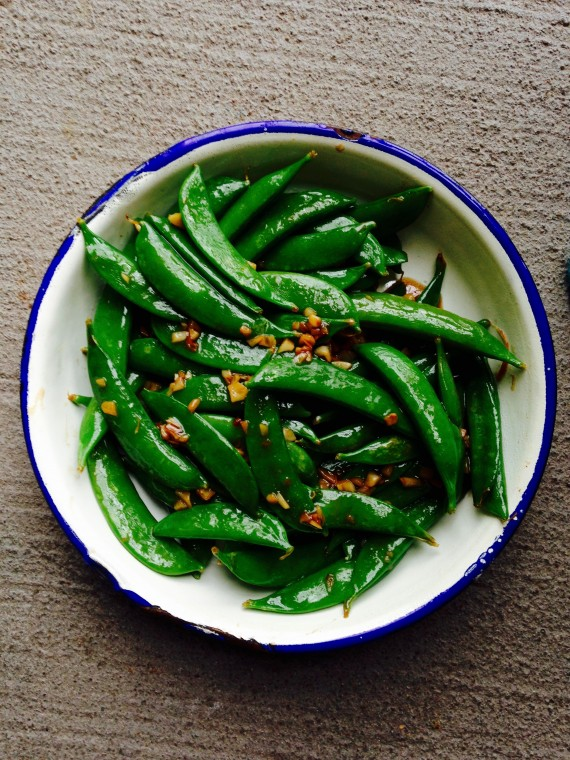 thai stir-fried sugar snap peas