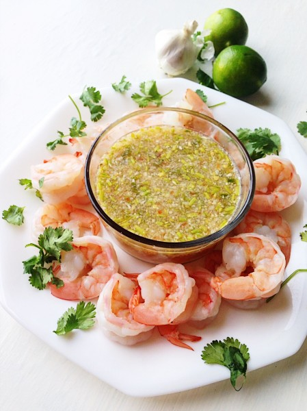 5 Minute Spicy Thai Garlic Lime Seafood Sauce