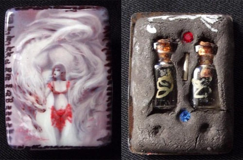 9 Fox Tail Lady Ghost Thai Locket Amulet