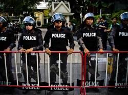 Police units near Dusit hotel, Silom business district