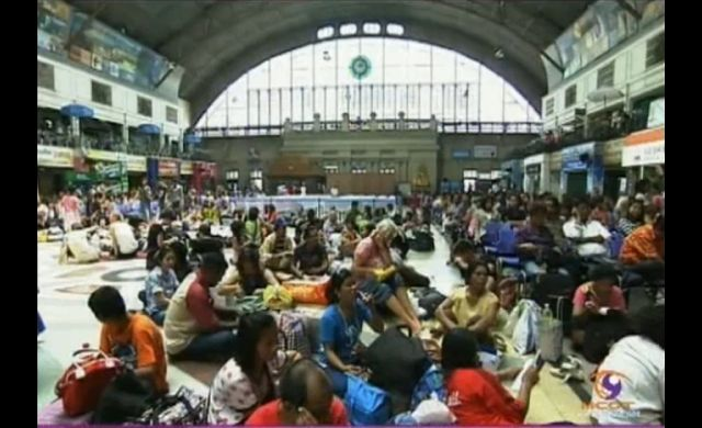 Hua Lampong Train station, and bus terminals in Bangkok are crowded