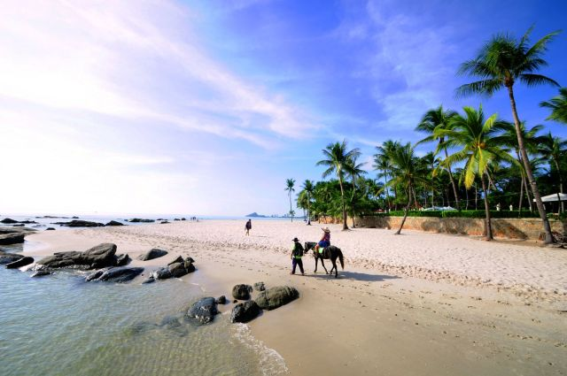 Hua Hin horse riding on the beach