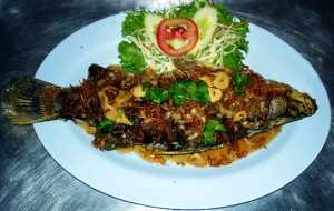 Fried Fish with Tamarind Sauce Thailand