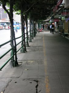 Pratunam Market closed on Mondays