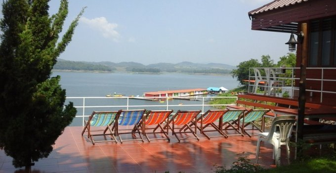 Kanchanaburi PhuPai Lake Serenity a floating lodge