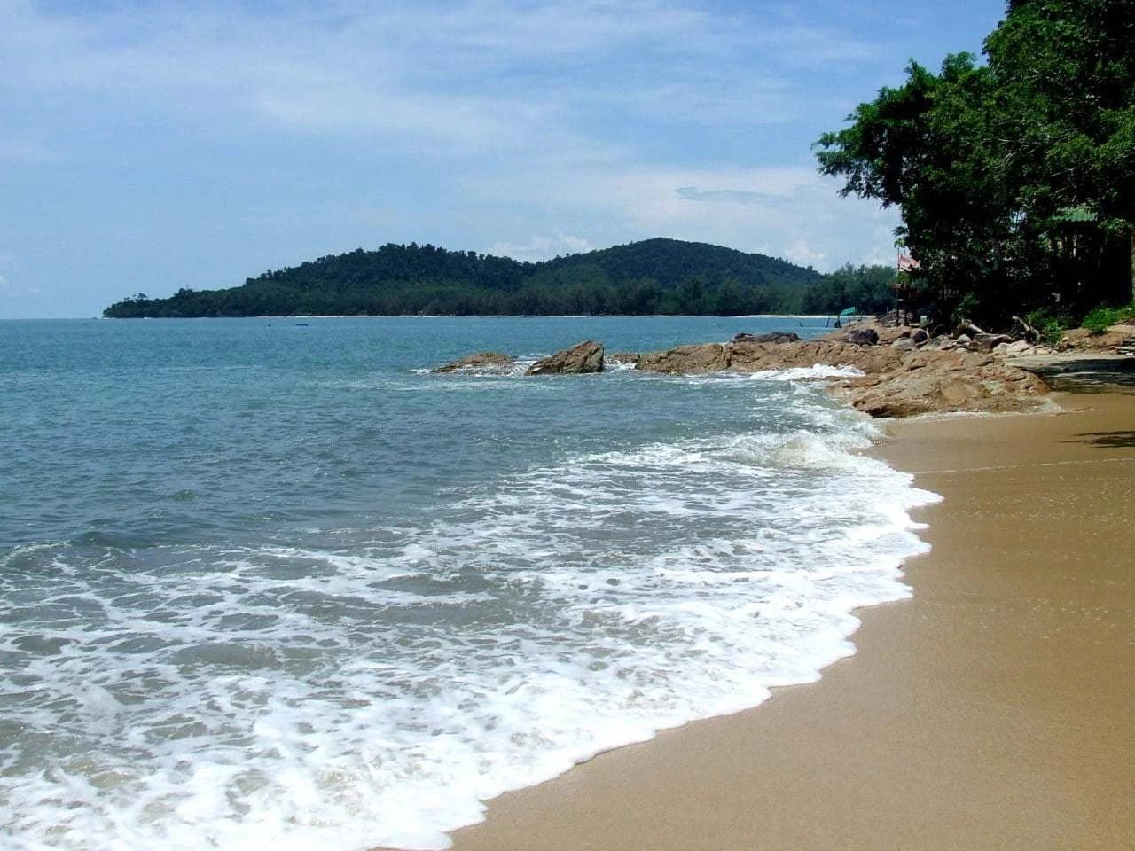 une plage ile koh chang - ranong - thailande
