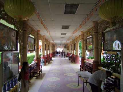 allée temple birman penang malaisie