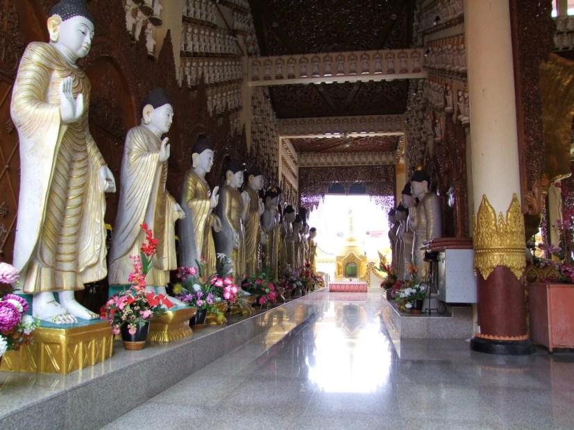 statues temple birman penang malaisie