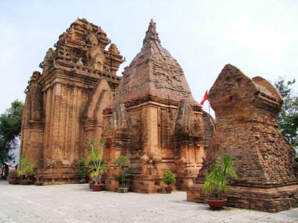 temple cham nha trang - vietnam