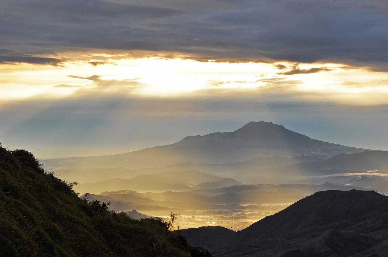 cover lever soleil dieng plateau 7e