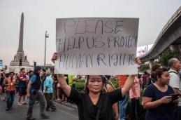 7-Protest Victory Monument Anti Coup-d-Etat Thailande 2014
