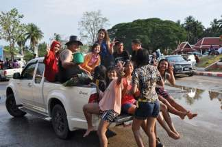 Pickup charge Songkran Sukhothai