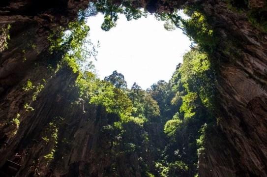 dans la grotte batu