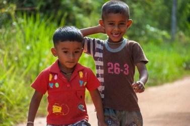 enfant joyeux sirigiya sri lanka