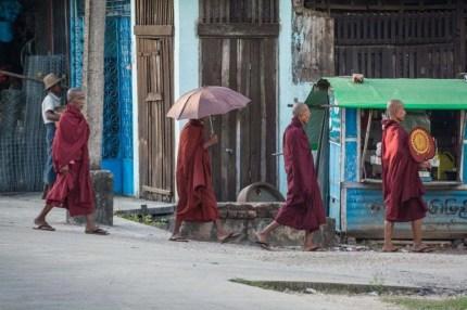 moines pathein birmanie