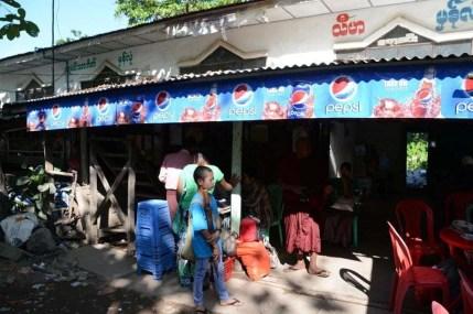 bus pathein chaung tha birmanie