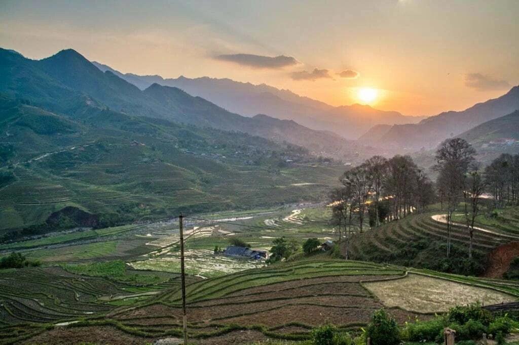 coucher soleil vallee hau thao sapa vietnam