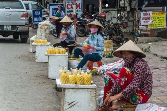 vendeurs rues cao bang vietnam