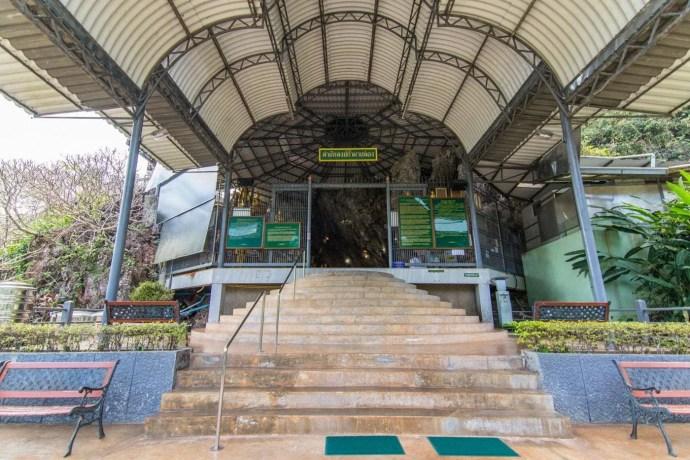 temple wat tham pha plong chiang dao - thailande