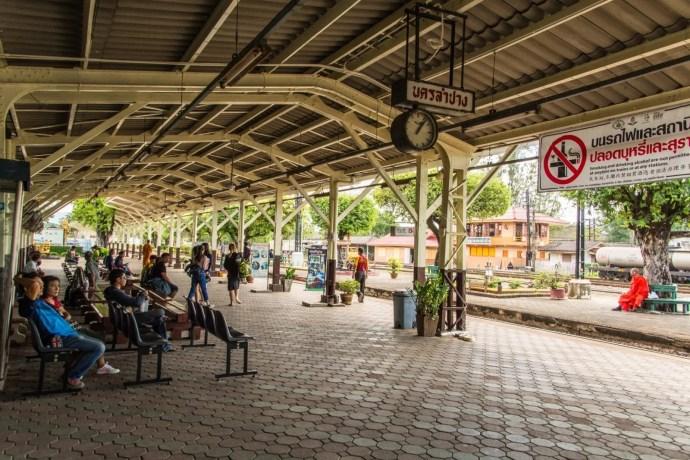 quai gare de lampang nord thailande