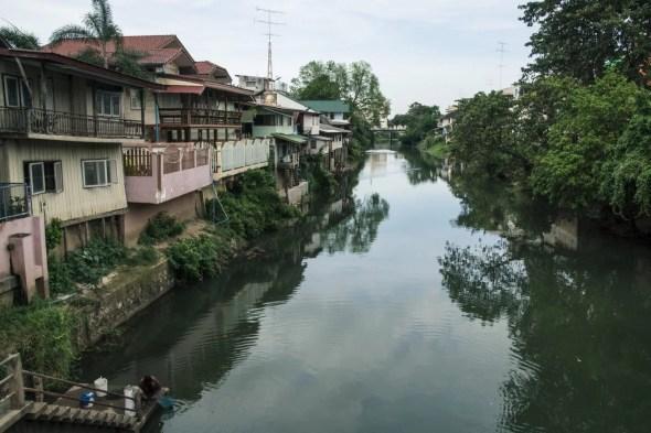 canal phetchaburi thailande