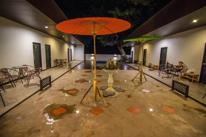 piscine mercy hostel chiang rai