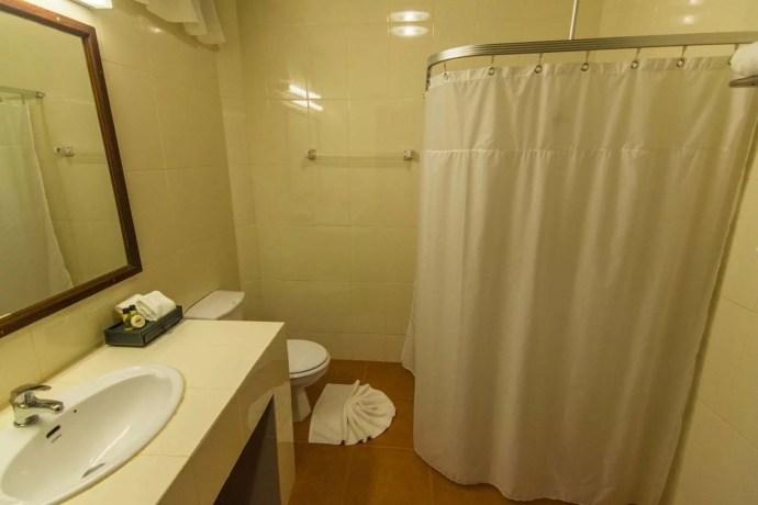 salle de bain angkhang nature resort