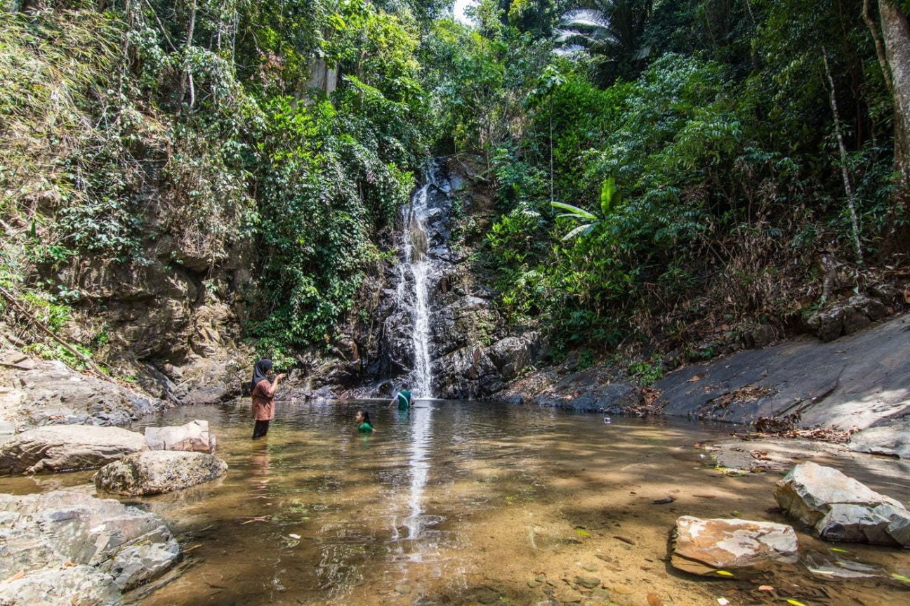 durian perangin waterfall langkawi - malaisie