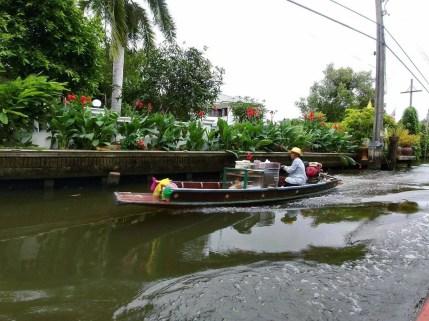balade en bateau canaux autour de lat mayom
