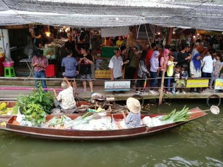 balade en bateau canaux près de lat mayom