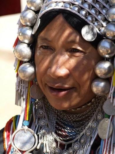 femme akha doi mae salong - thailande