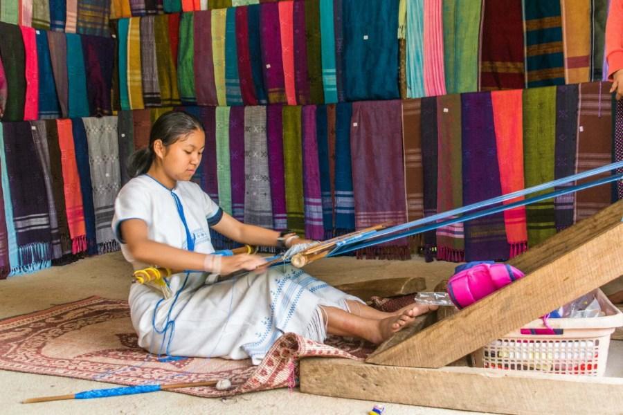 tissage village karen mae klang luang doi inthanon