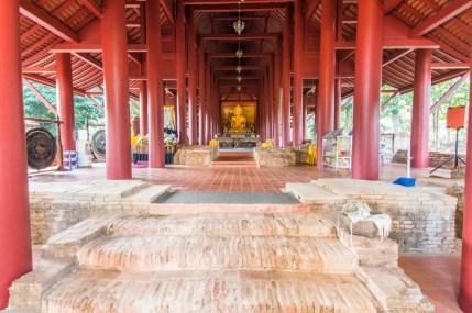 bouddha wat phra that chedi luang - chiang saen