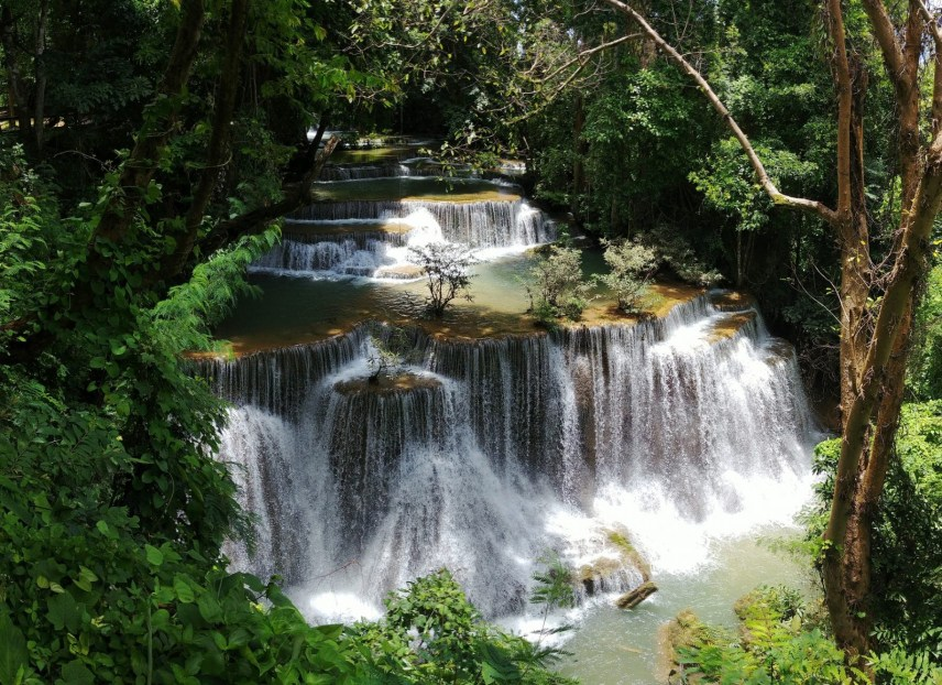 cascade kanchanaburi en aout