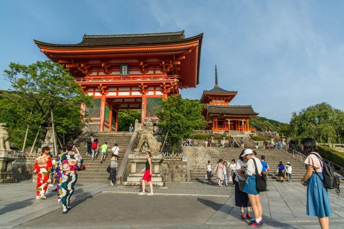 entree temple kiyomizu dera - kyoto