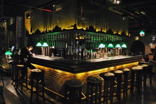 bar maggie choo silom bangkok