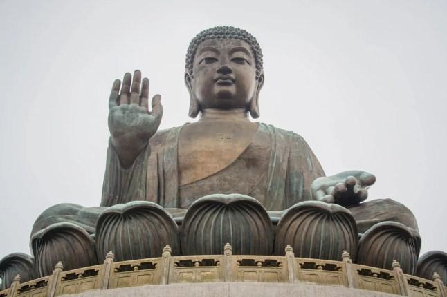 statue bouddha tian tan - lantau island hong kong