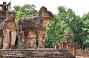 statue elephant wat chang lom - si satchanalai - thailande