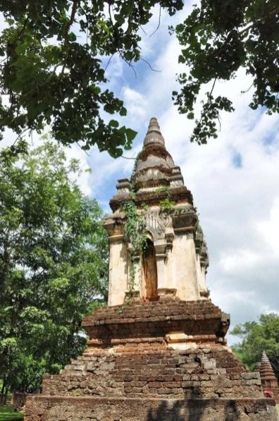 un chedi wat chedi chet thaeo - si satchanalai - thailande