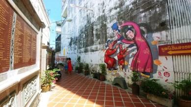 peinture murale shrine serene light phuket town