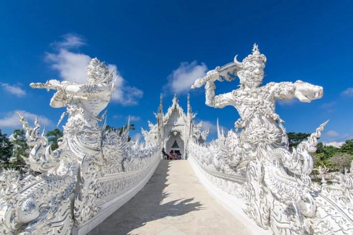 heaven gate temple blanc wat rong khun chiang rai