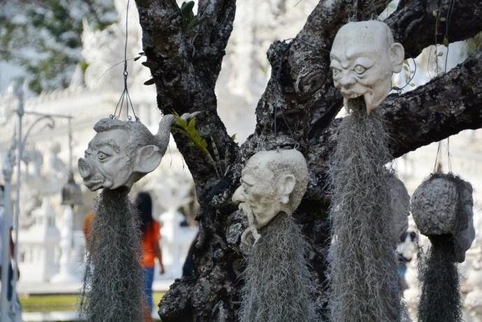 pot plante figurines temple blanc chiang rai - thailande