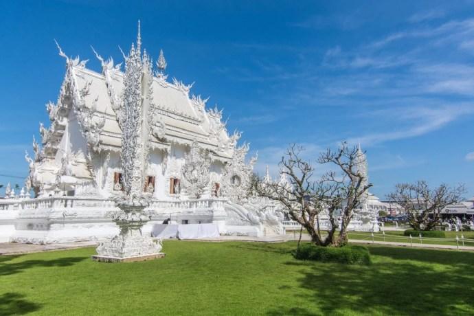 wat rong khun temple blanc chiang rai - thailande