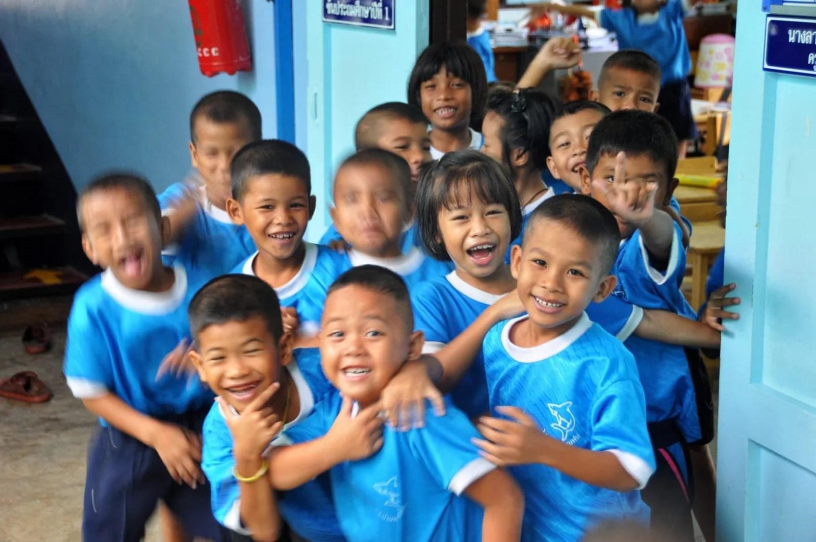 enfants ecole - map ta phut - rayong - thailande
